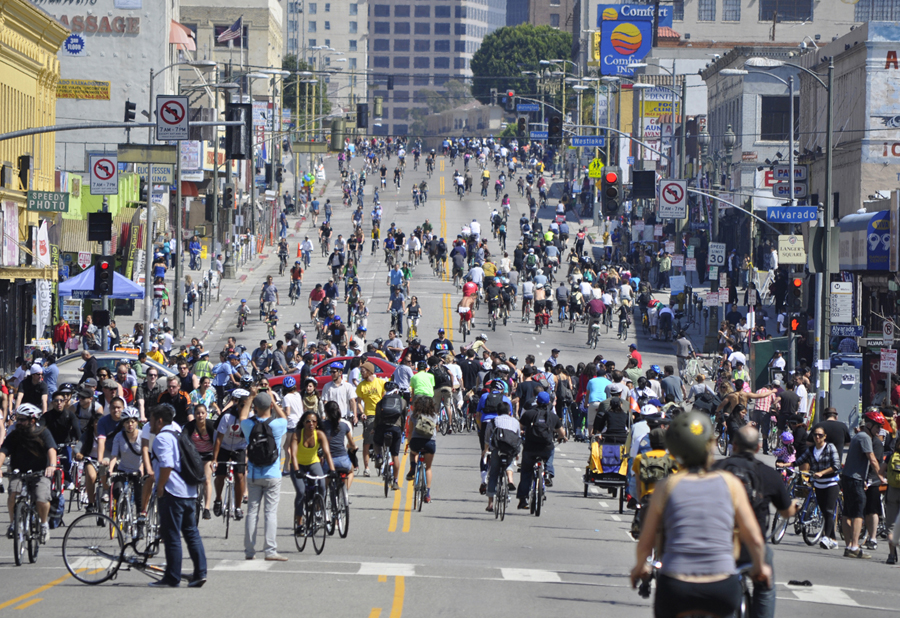 CicLAvia in Los Angeles_Source-thecitypaperbogota.com