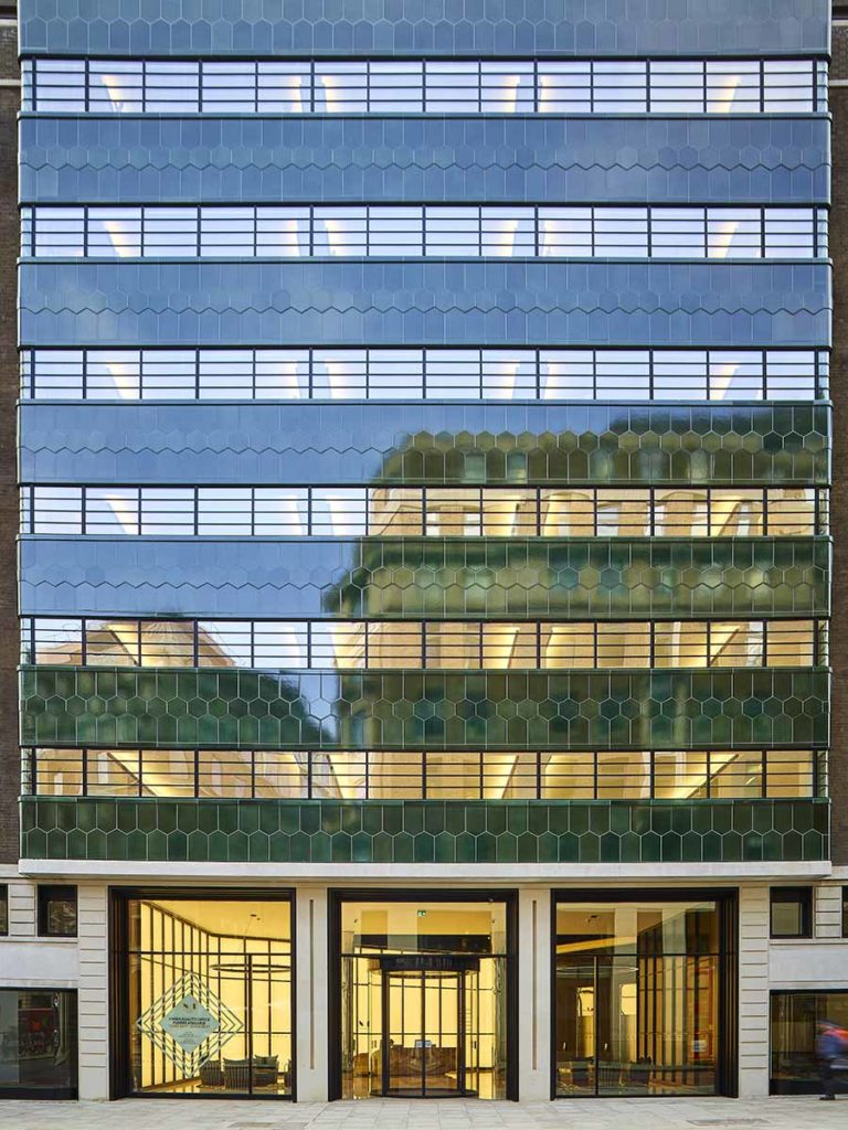 No1 New Oxford St, ORMs Architects. Photo Photo ©Timothy Soar