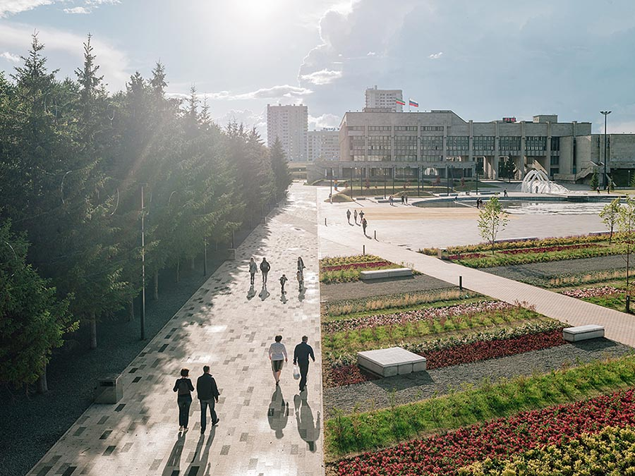 Azatlyk Square by DROM. Photo ©Evgeny-Evgrafov